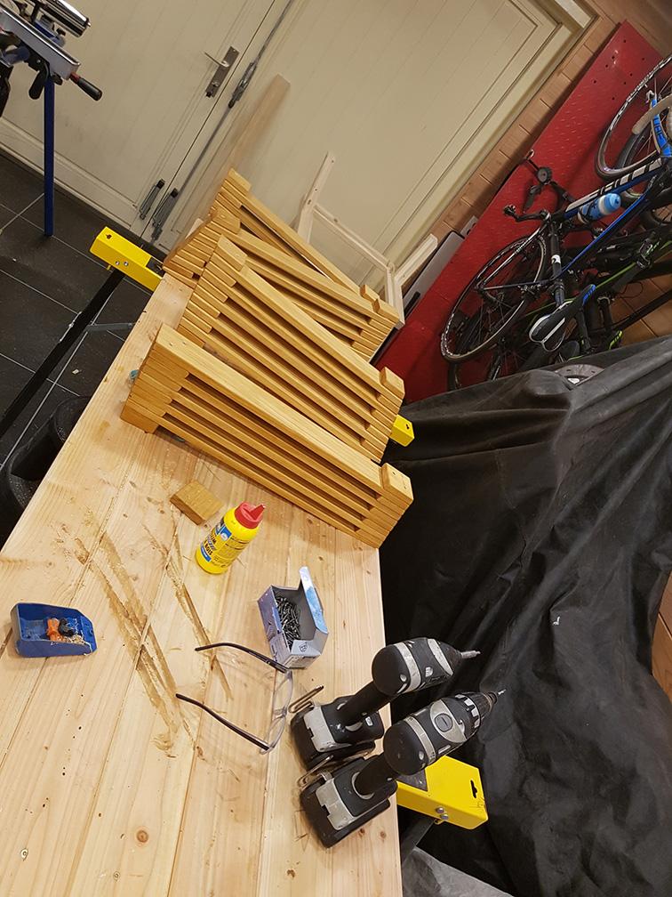 Timmerwerk & Meer   Loungestoelen met uitschuifbladen